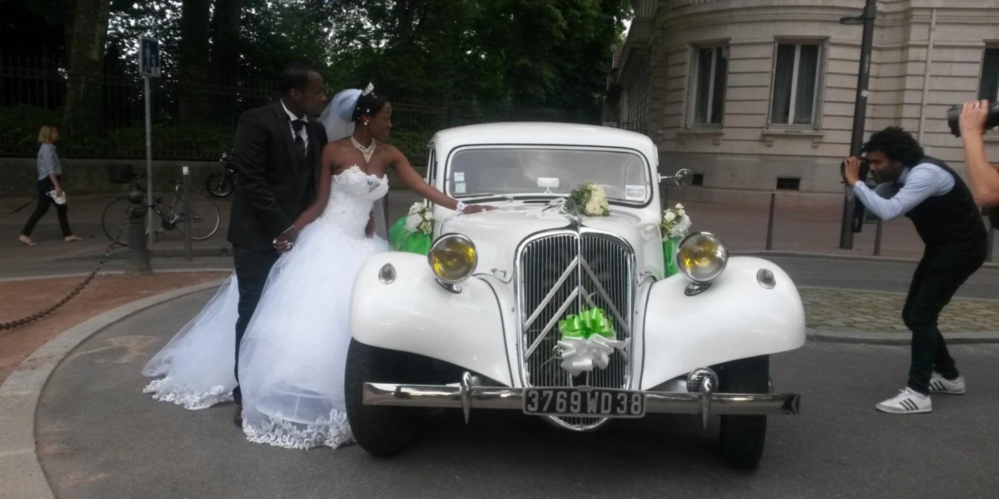 Une magnifique voiture pour votre mariage
